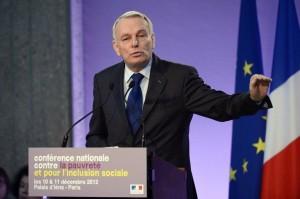 Jean-Marc Ayrault lors de la Conférence nationale contre le pauvreté et pour l'inclusion sociale
