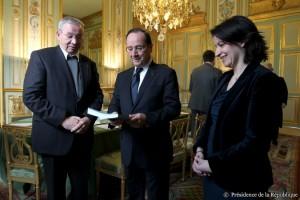 Remise du rapport de la Fondation Abbé Pierre au Président de la République