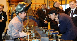 La ministre des Droits des femmes visite l'usine Alstom du Creusot sur le thme de l'galit professionnelle - Photo  Razak