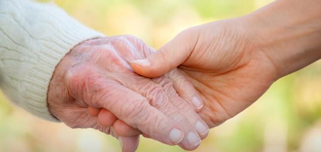 Comment Accompagner Les Personnes Les Plus Vulnérables ? A Propos Des Personnes âgées.